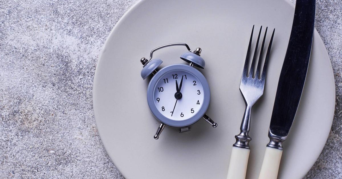 Интервальное голодание 16/8 для женщин: похудение, отзывы и результаты