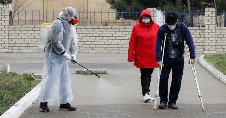 """Фото В """"большой восьмерке"""". Россия обошла Иран по числу заражений вирусом"""
