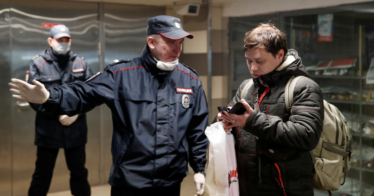 Устали от карантина. Как в России стали бороться не с вирусом, а с людьми