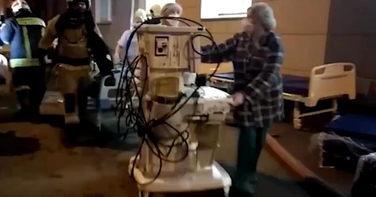 Больница с зараженными коронавирусом загорелась в Москве из-за аппарата ИВЛ