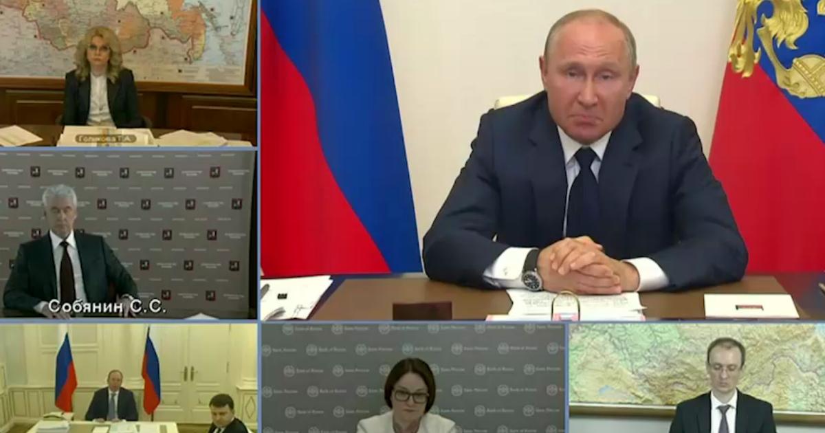 """Фото """"Сразу вдвое!"""": Путин поднял пособие для детей из-за кризиса с 3 до 6 тысяч"""