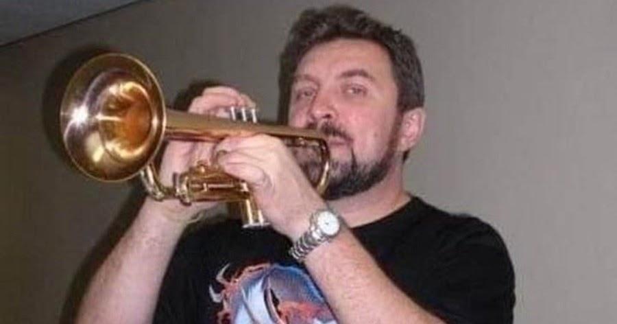 Фото Музыкант Бурков умер после борьбы с COVID. В статистику его не включили