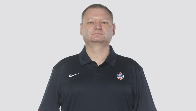 «Ушел молодым»: заболевший врач ЦСКА Роман Абжелилов умер в Москве