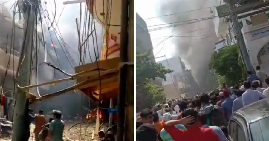 В Карачи пассажирский самолет упал на жилые дома