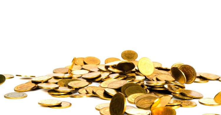 Россияне уже 4 месяца забирают валюту из банков - ЦБ