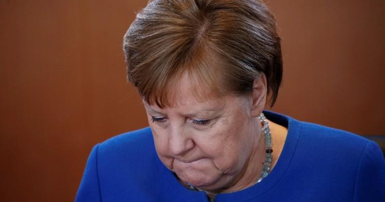 Фото Меркель заявила о необходимости продолжения санкций в отношении России