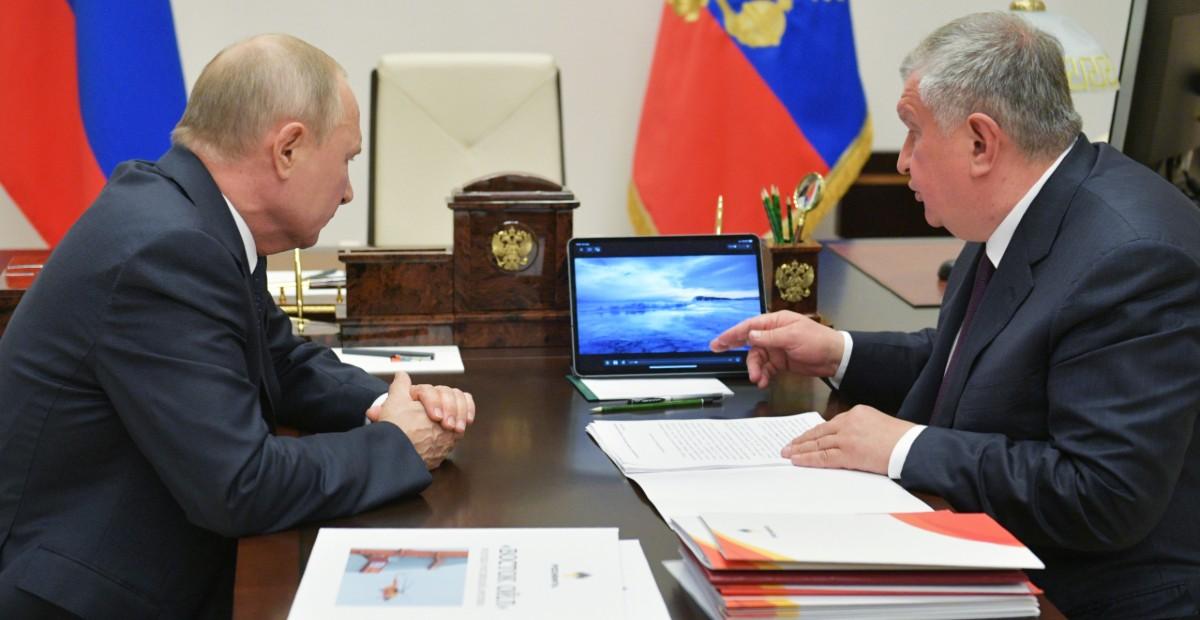 Всюду клин. Почему рост цен после «нефтяной войны» не устраивает Россию