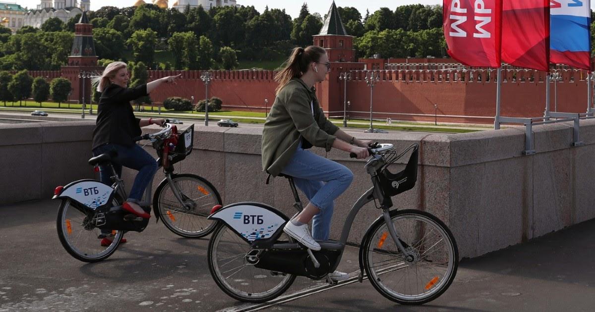 На пути к поправкам. Что происходит с эпидемией в Москве