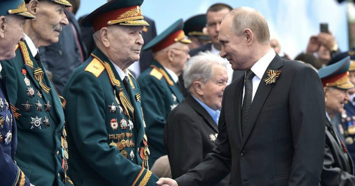 Фото СМИ: 80 ветеранов ВОВ отправили на карантин перед встречей с Путиным