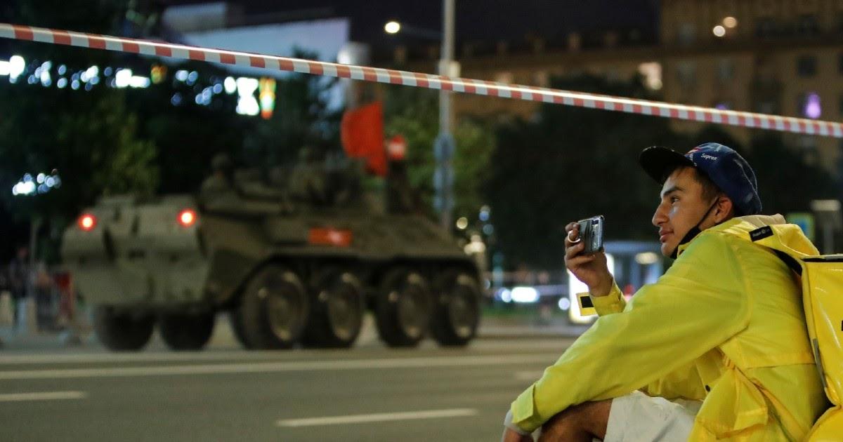 Парад вместо вируса. Москва рапортует о спаде эпидемии