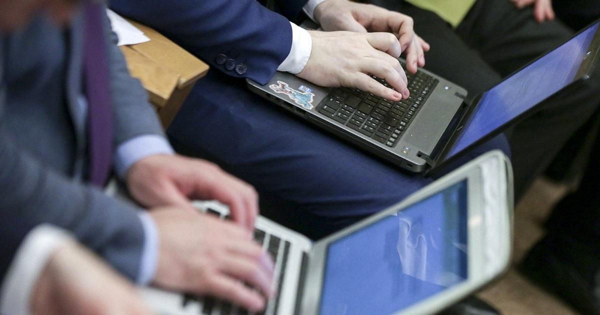 Госдума приняла законопроект об удаленной работе в первом чтении