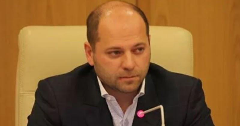 """Депутат, предлагавший """"поменьше питаться"""", задекларировал 4 копейки дохода"""