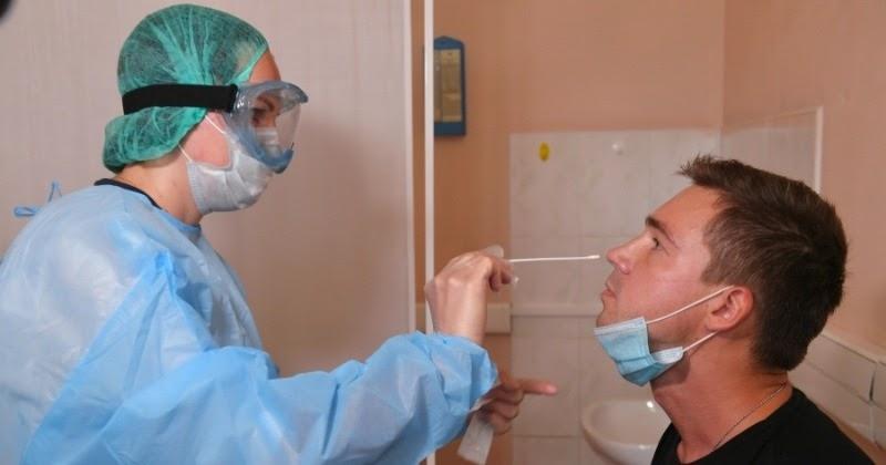 Фельдшер Дмитриева назвала симптом, отличающий коронавирус от ОРВИ