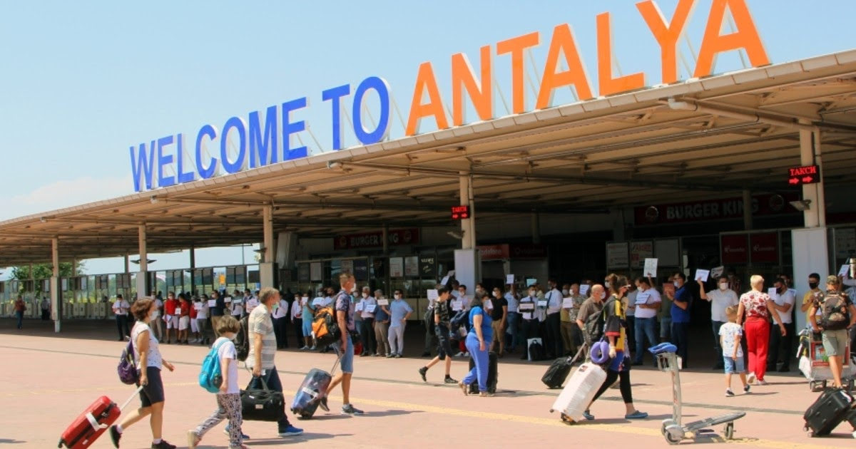 Уже как в Сочи? Российские туристы рассказали об отдыхе в Турции