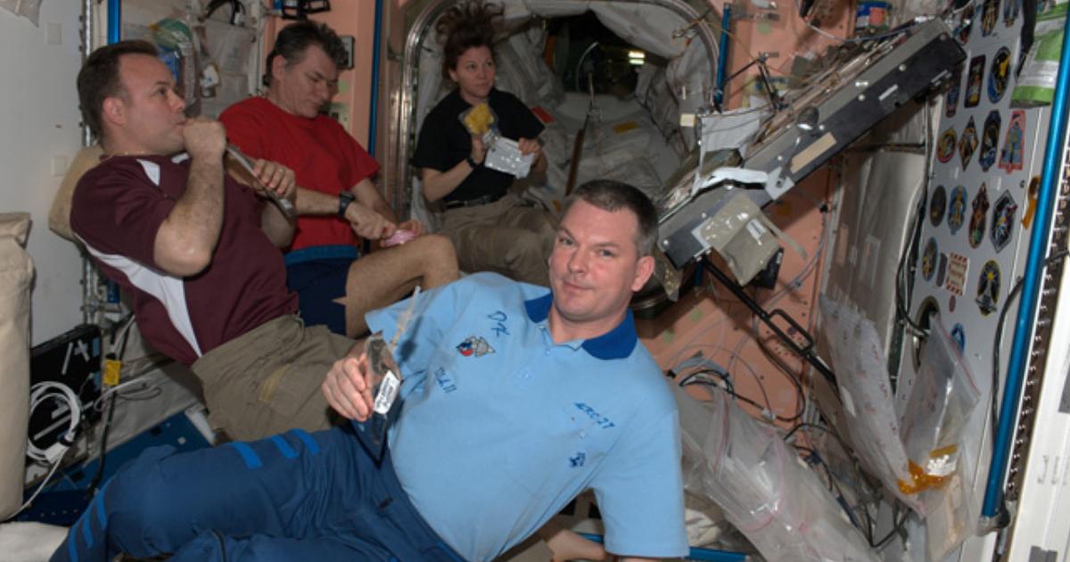 На МКС утечка воздуха: космонавты изолированы