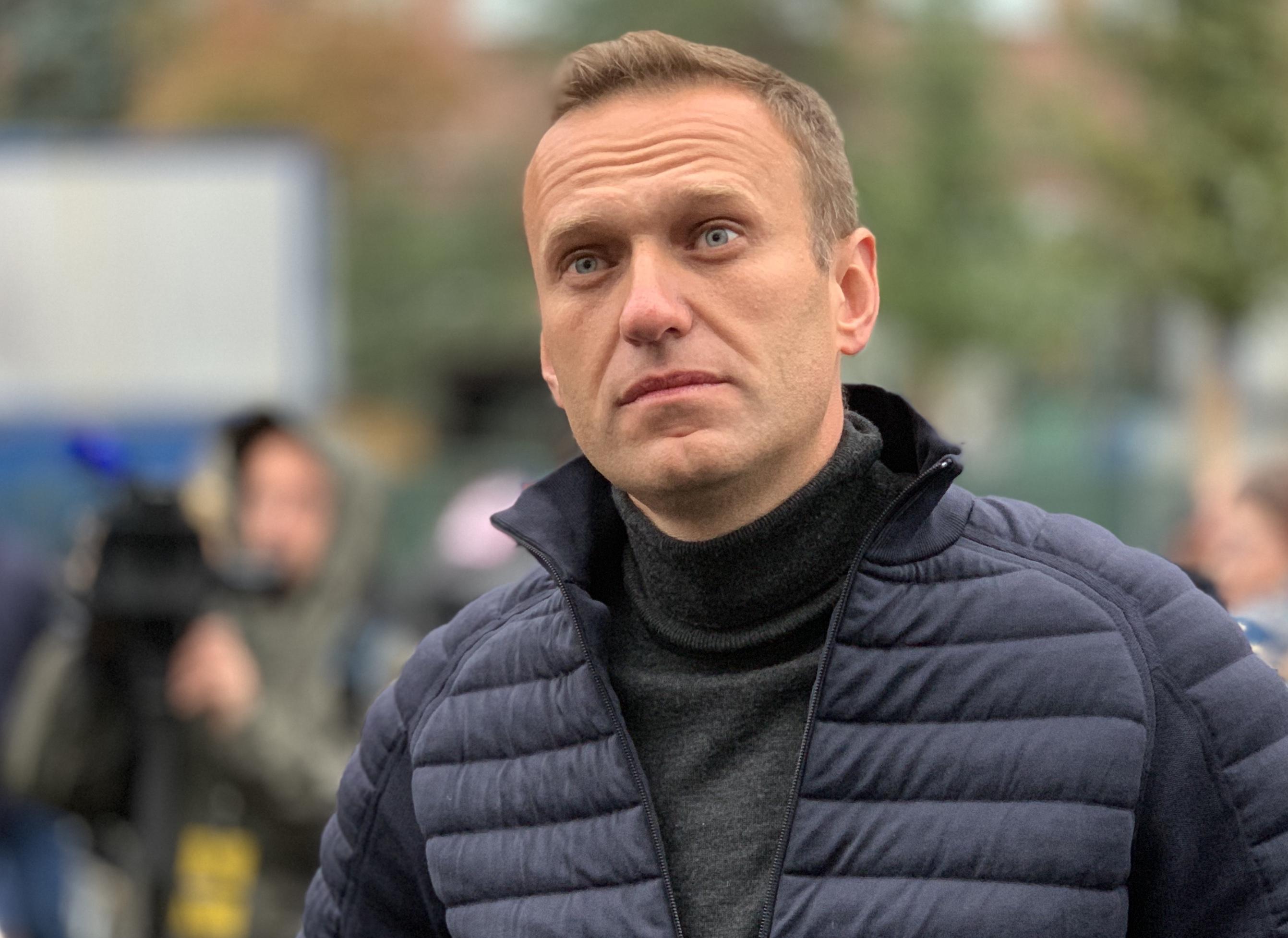 Суд приостановил дело против Навального из-за его проблем со здоровьем