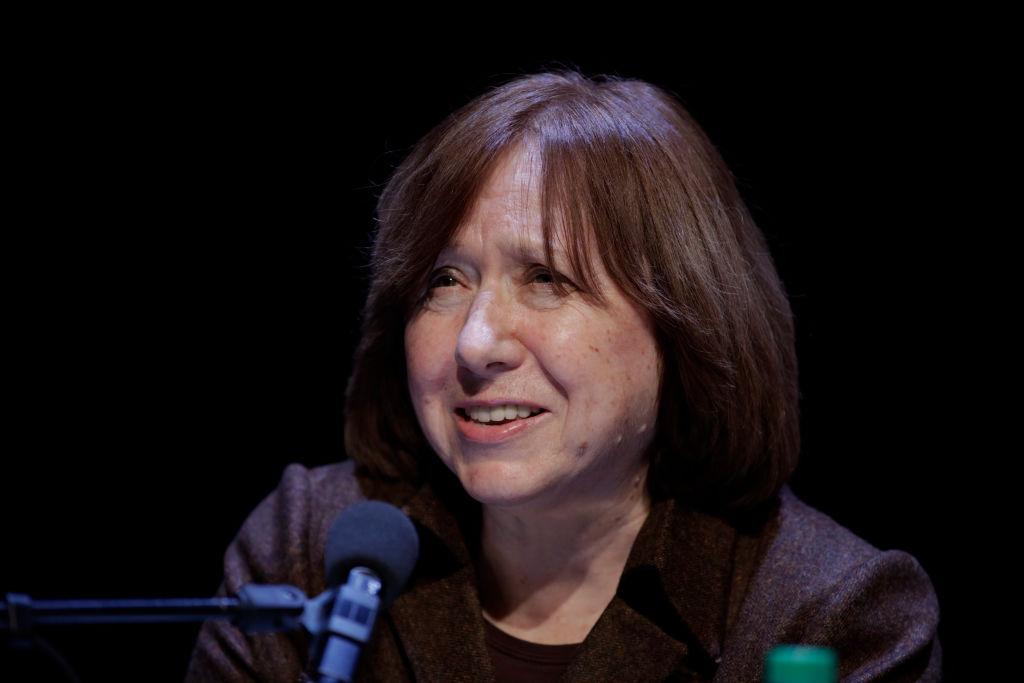 Писательницу Алексиевич вызвали в СК Белоруссии по делу о Координационном совете