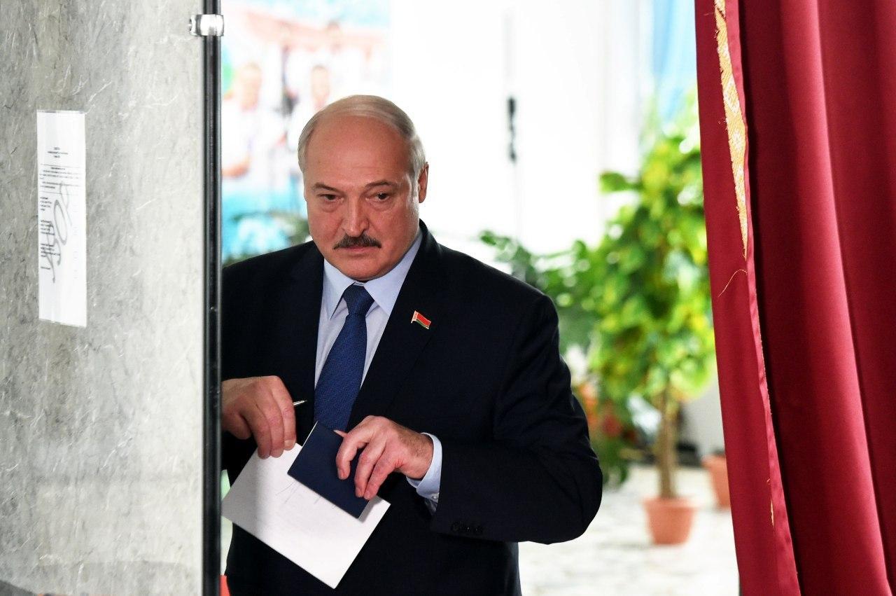 Лукашенко поздравил Украину с Днем независимости и напомнил о «крепкой дружбе»