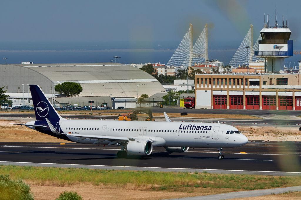Lufthansa ввела бесплатное перебронирование билетов до конца 2020 года