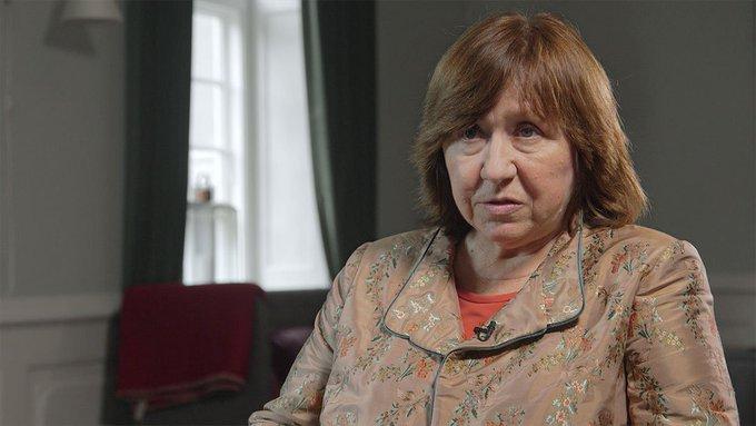 Светлана Алексиевич отказалась отвечать на вопросы следователей