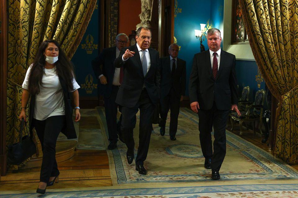 Российские дипломаты выразили недоумение из-за санкций США