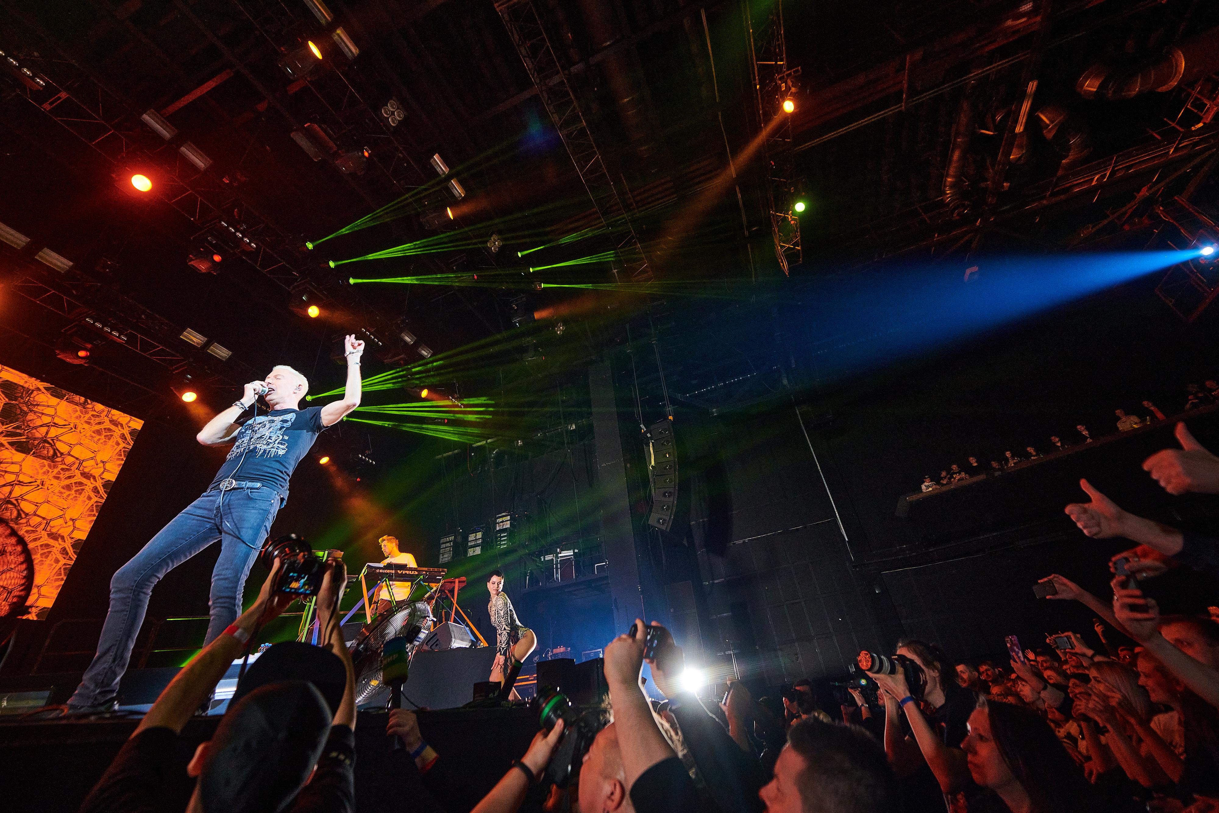 """Организаторы попросили возобновить концерты из-за """"краха индустрии"""""""