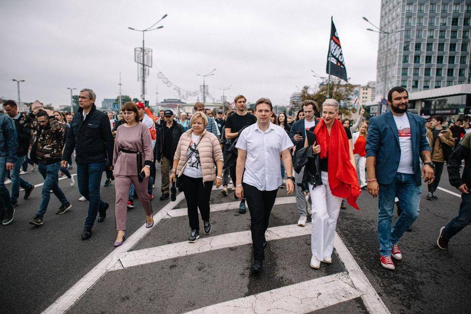 """Белорусская оппозиция возмутилась созданием """"вооруженной группировки"""" в России"""