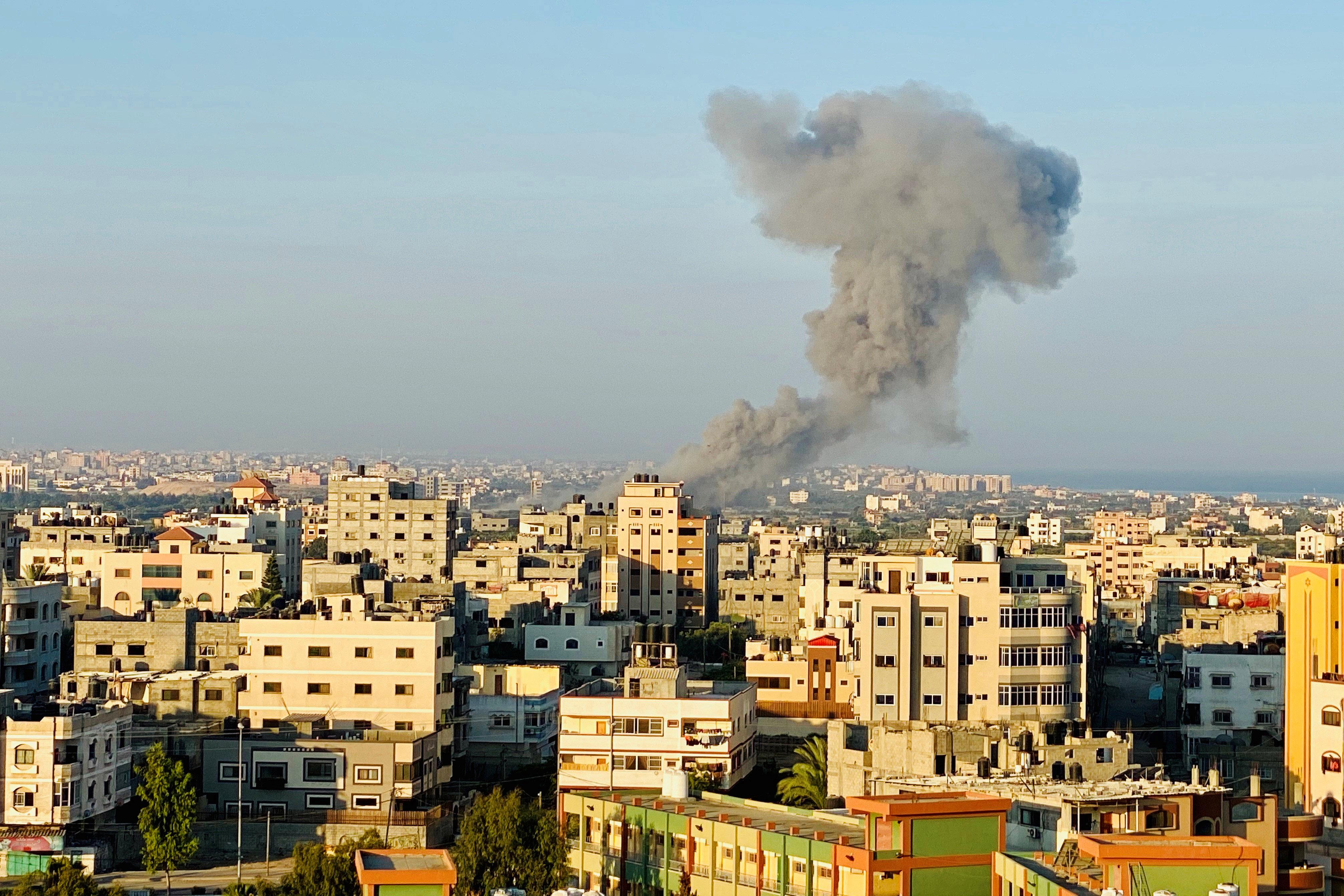 Израильские военные ударили по сектору Газа