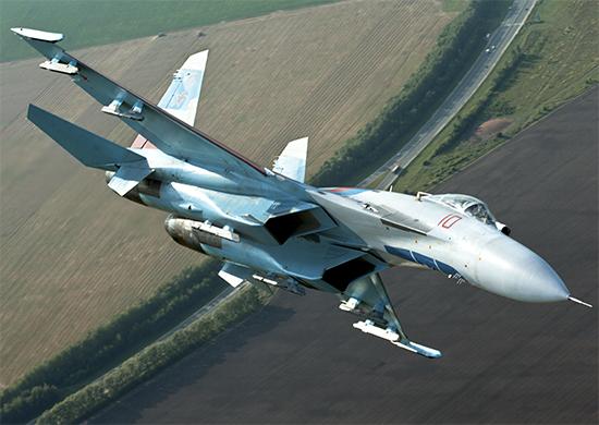 Российские Су-27 перехватили американский бомбардировщик