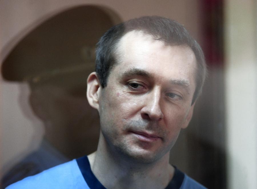 Дочь полковника Захарченко не пустили жить в конфискованной квартире