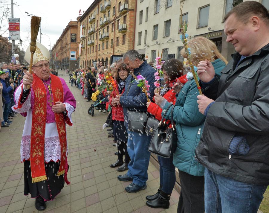 Лукашенко: главу католиков Белоруссии не пустили в страну из-за влияния Польши