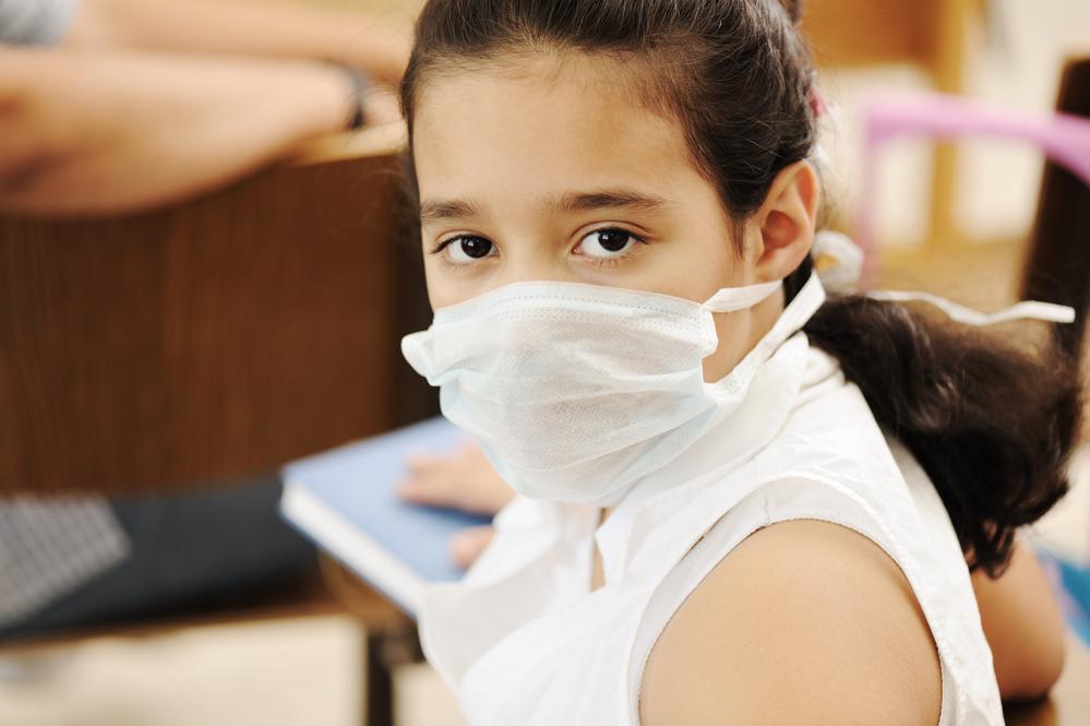 Кашель и шутки про коронавирус оказались под запретом в британских школах
