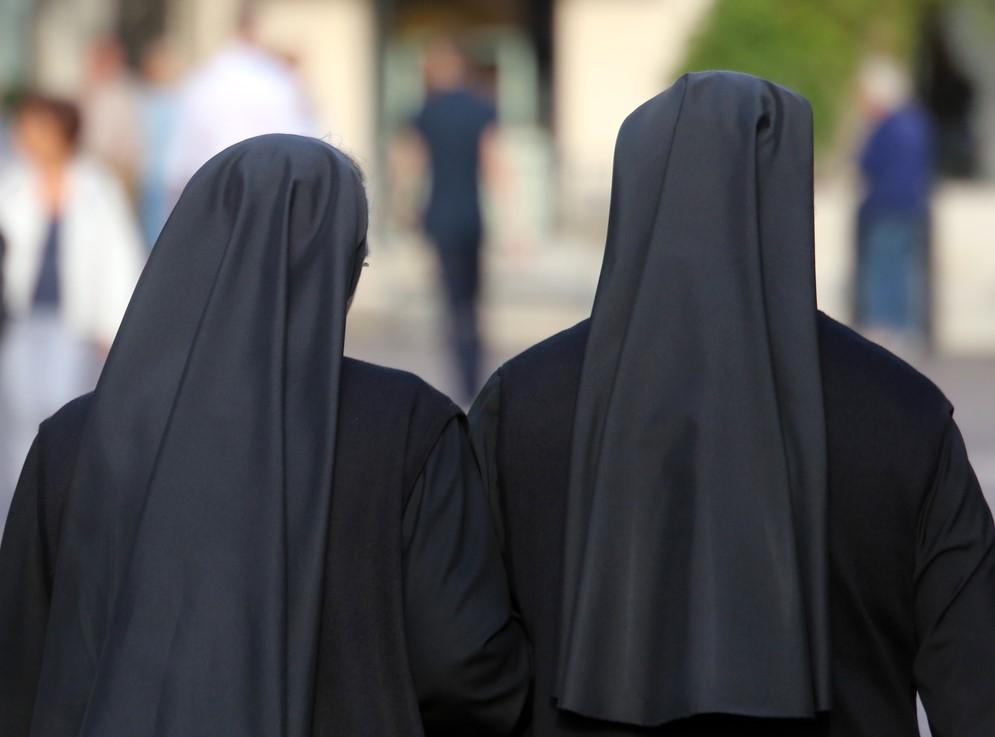 Более 150 монахинь решили остаться в захваченном монастыре на Урале