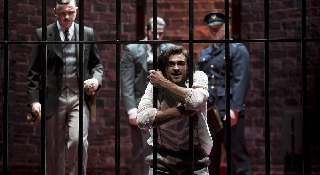 Купаловский театр Минска отменил спектакли после увольнения актеров