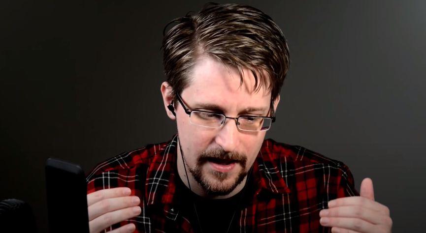 Суд признал разоблаченную Сноуденом программу слежки незаконной
