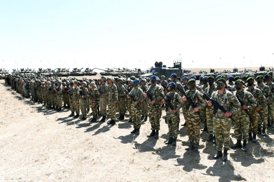 Азербайджан отказался от учений с Россией