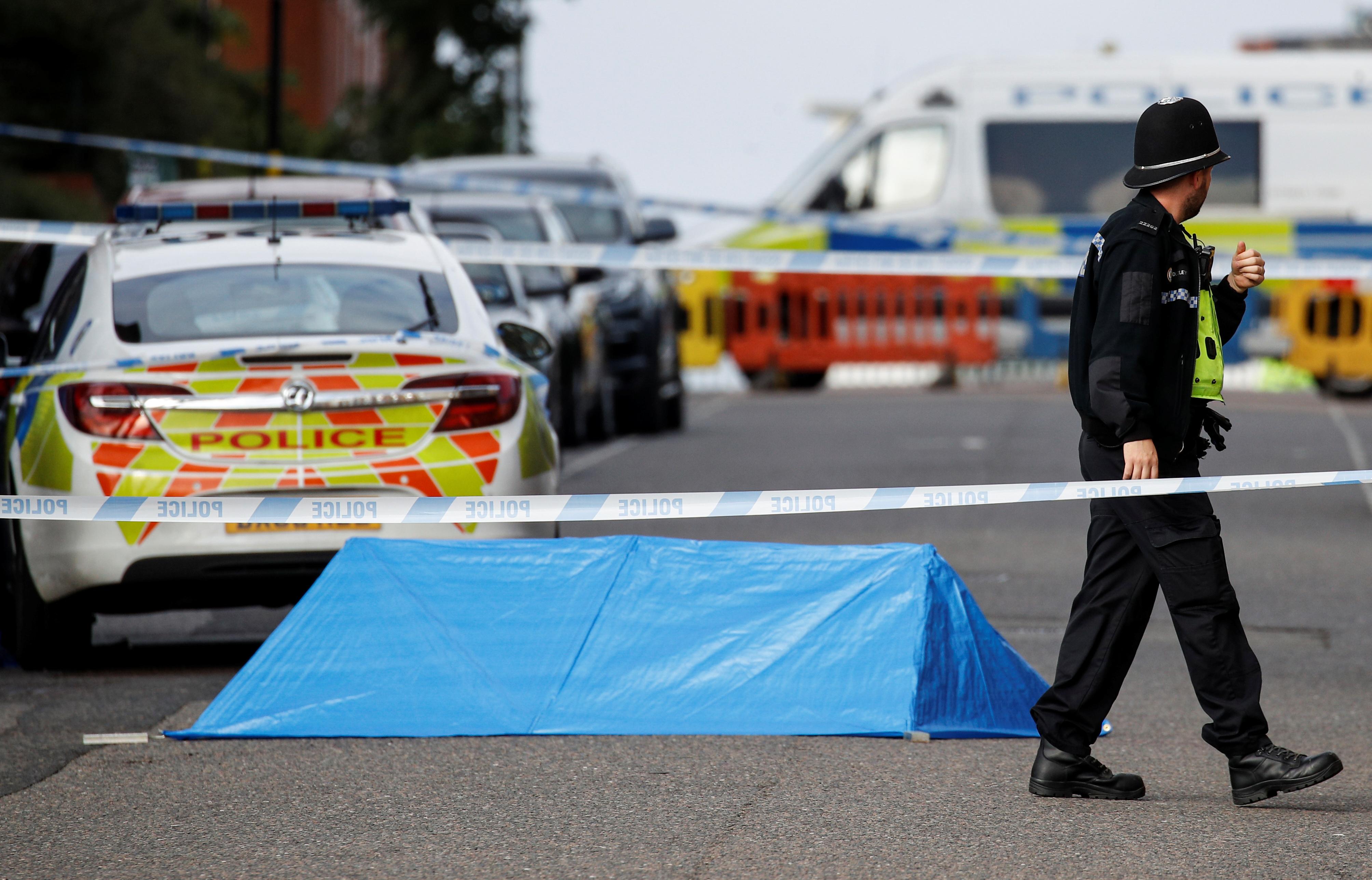 В поножовщине в Бирмингеме погиб один человек и пострадали семеро