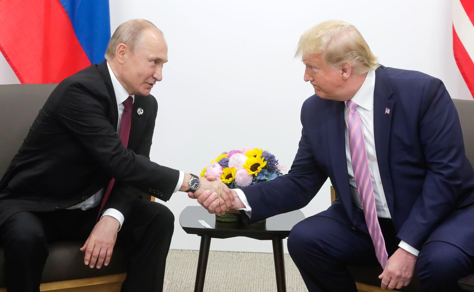 Экс-адвокат Трампа рассказал, чем того восхищает Путин