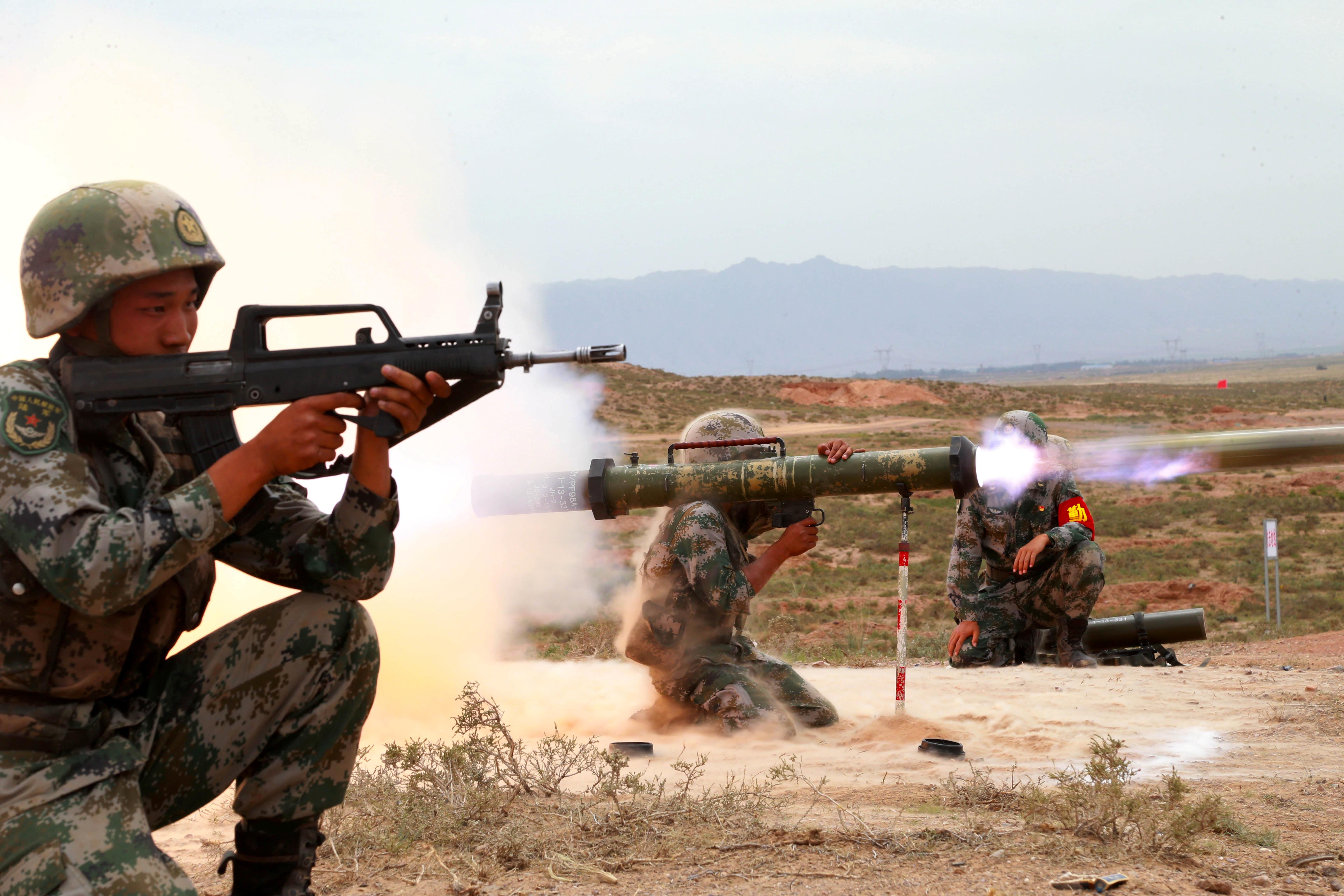 Военные Индии и Китая проводят экстренные переговоры