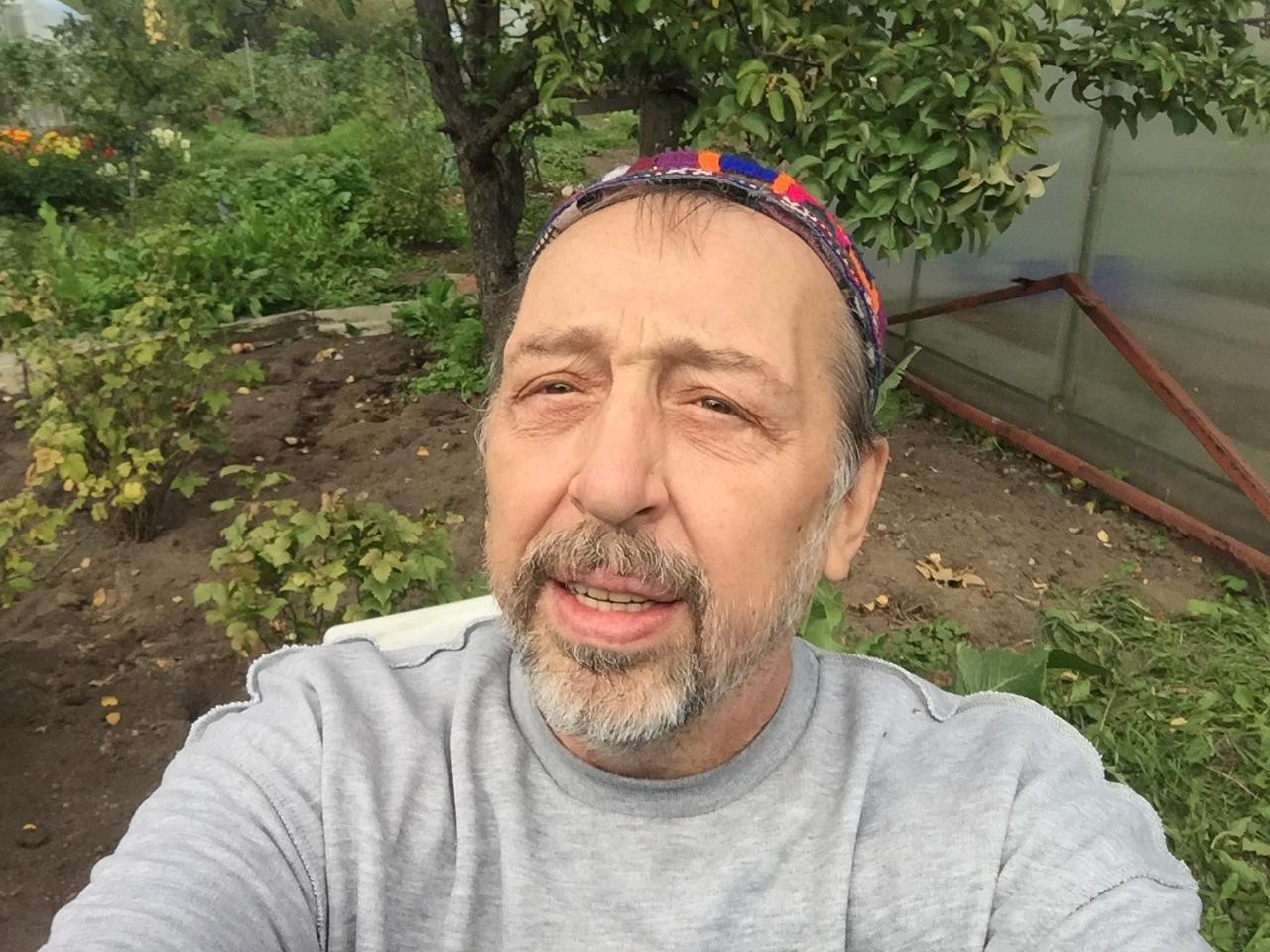 Драматург Николай Коляда объявил об эмиграции