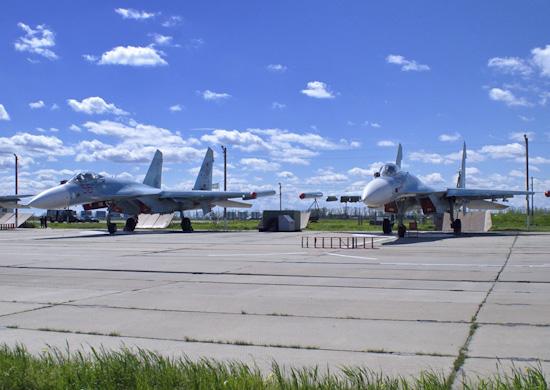 Российский Су-27 отправили на перехват самолетов США и Швеции