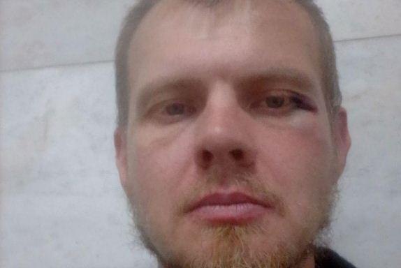 В Челябинске избили координатора штаба Навального
