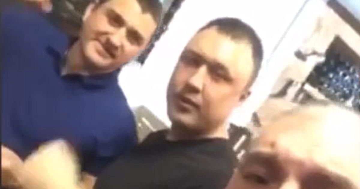 """Полицейский-участник банкета с лозунгами """"АУЕ"""" восстановился на службе"""