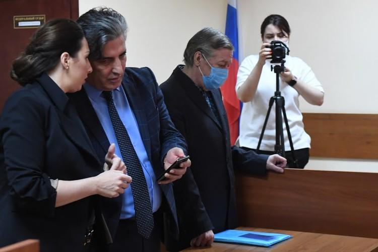 Пашаев отреагировал на гонорар в 11 млн рублей от Ефремова