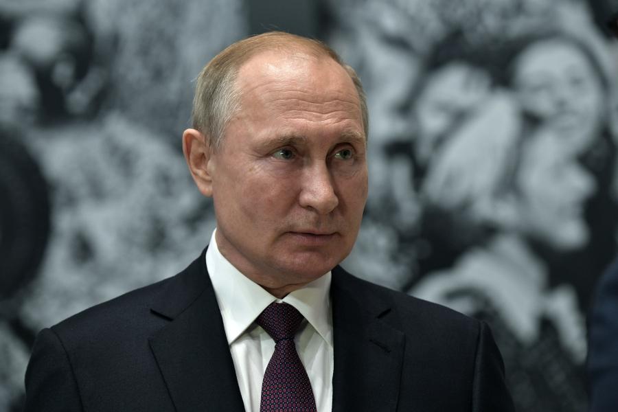 Перед встречей с Лукашенко Путин обсудил Белоруссию с Макроном