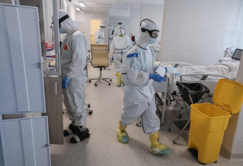 В России коронавирус нашли в еде и воде