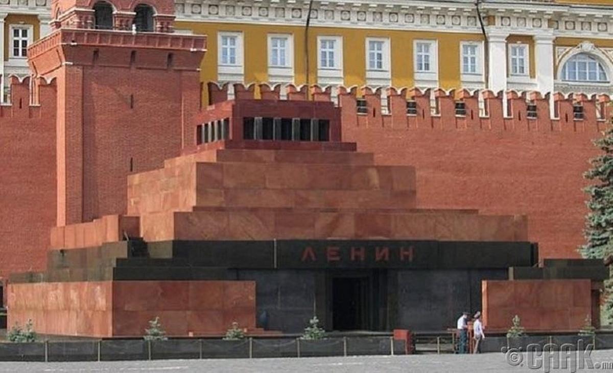 Американский художник намерен воссоздать Мавзолей и выкупить Ленина