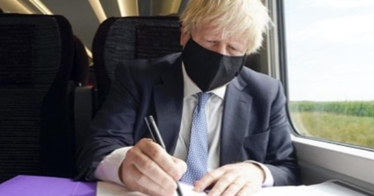Джонсон объявил о начале второй волны коронавируса в Великобритании