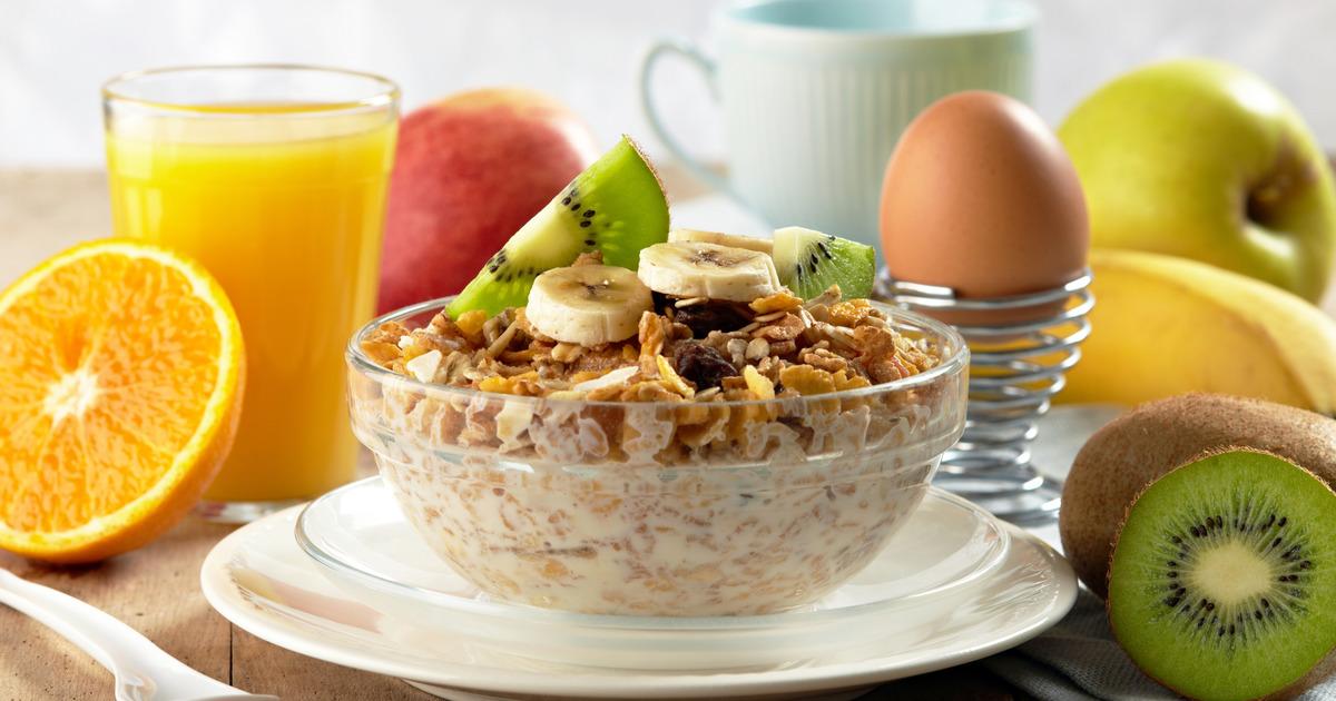 Диетолог назвала самые вредные продукты для завтрака
