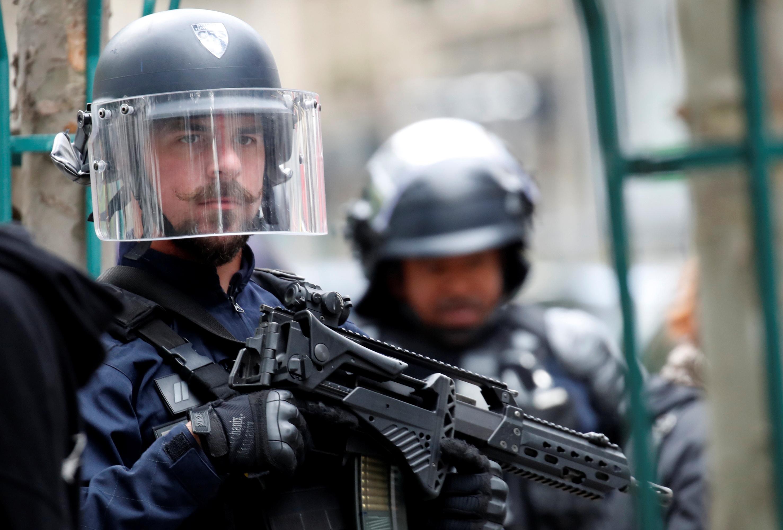 Неизвестный с мачете ранил прохожих возле бывшей редакции Charlie Hebdo